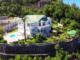 Beautiful 2 bedroom Vacation Rental in Anse Royale - Anse Royale vacation rentals