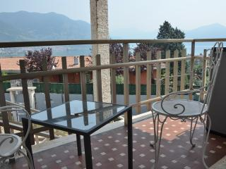 Nice Townhouse with Internet Access and Balcony - Clusane sul Lago vacation rentals