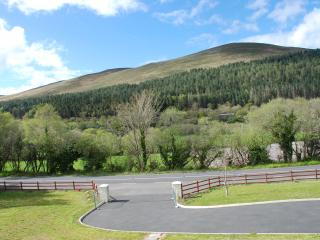 Nice House with Deck and Internet Access - Glenbeigh vacation rentals