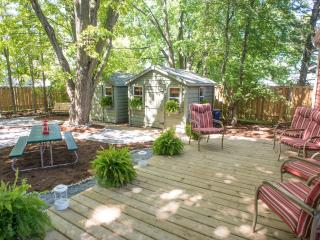 Nice Cottage with Deck and Internet Access - Wellington vacation rentals