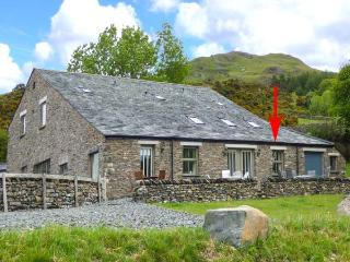 GHYLL BANK COW SHED, underfloor heating, WiFi, outdoor seating with beautiful - Staveley vacation rentals