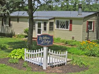 Willow Lodge at Primrose Dale Farm - Gettysburg vacation rentals