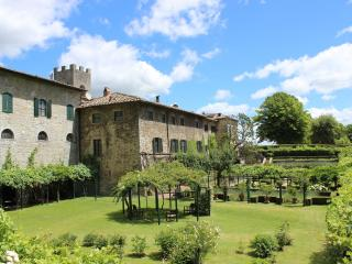 3 bedroom Apartment in Gaiole in Chianti, Chianti, Tuscany, Italy : ref 2293952 - Gaiole in Chianti vacation rentals