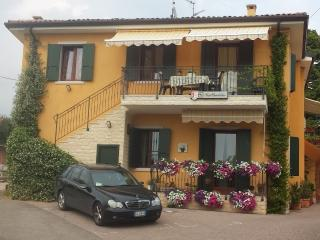 BedBardolino Holiday Apartment - Bardolino vacation rentals