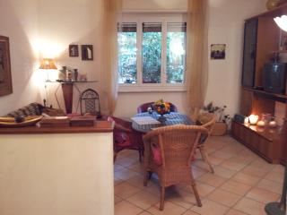 Cozy 2 bedroom Alassio Townhouse with Deck - Alassio vacation rentals