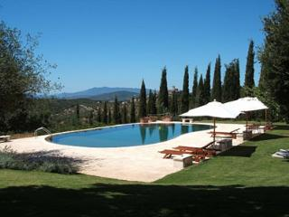 Spacious 6 bedroom House in Grosseto - Grosseto vacation rentals