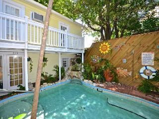Garden 3 Mallory Square just steps away! Enjoy breakfast and refreshing pool! - Key West vacation rentals