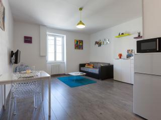 "Charmant Studio ""Pop'Art"" 27m² refait à neuf - Saint-Malo vacation rentals"
