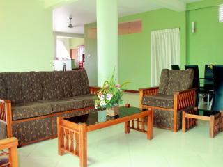 Sri Lanka apartment colombo dehiwala mount lavinia - Colombo vacation rentals