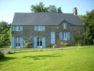 Cozy 3 bedroom Saint-Michel-de-Montjoie Gite with Internet Access - Saint-Michel-de-Montjoie vacation rentals