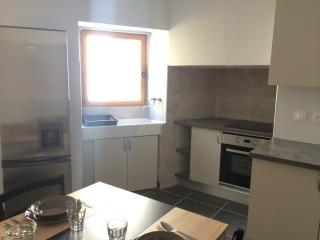 Belle maison de village rénovée en provence - Pierrevert vacation rentals
