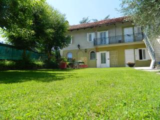 Casa Badinot, oasis in ALBA hills (DIANO D ALBA) - Alba vacation rentals