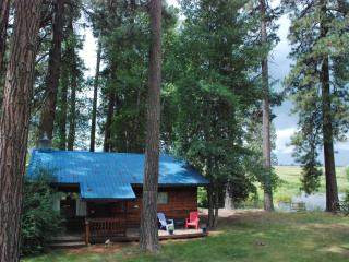 Tecumseh Spring Rentals - The Cabin - Crater Lake vacation rentals