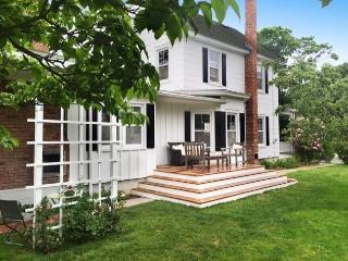 Nice 3 bedroom Farmhouse Barn in Greenport - Greenport vacation rentals
