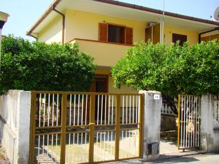Affitto Casa Vacanza - Aloise M. - Fiumefreddo Bruzio vacation rentals