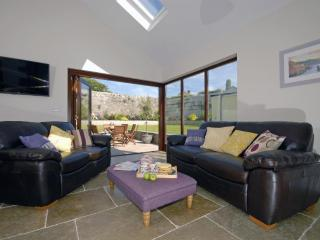 Lovely Cottage with Internet Access and Fireplace - Saint Davids vacation rentals