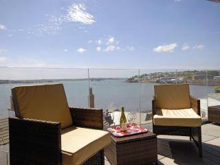 2 bedroom Cottage with Internet Access in Milford Haven - Milford Haven vacation rentals