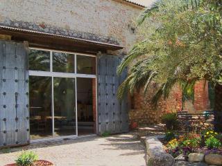 Le Chai Catalan - chambre Muscat - Ortaffa vacation rentals
