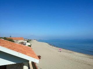 Cozy 2 bedroom Boathouse in Agnone Bagni - Agnone Bagni vacation rentals