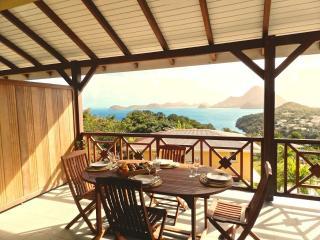 COCO FESSE **** classé 4 étoiles ,vue sur la baie - Guadeloupe vacation rentals