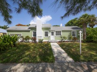 Tranquil, peaceful, and just about the cutest 3 BR - Longboat Key vacation rentals