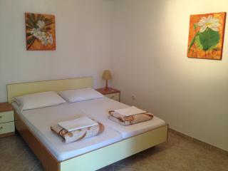 "Apartment ""Ela"", Guest house ""Sidro"" - Selce vacation rentals"