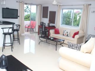 BEACHFRONT condo.. BEST location in Ocho Rios - Ocho Rios vacation rentals