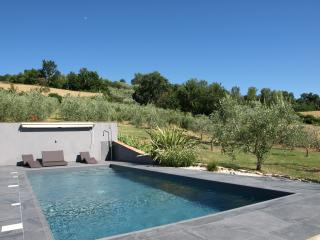 Lovely house with a pool in a peaceful location - Monte Castello di Vibio vacation rentals