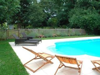 4 bedroom House with Internet Access in Flaujagues - Flaujagues vacation rentals