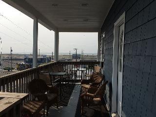 Dave's WW Reef Apts, 3rd Floor, 1 Bedroom, 1 Bath - Wildwood vacation rentals