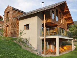 Le Verger Fleuri - Chalet Hisope - Briançon vacation rentals