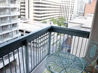 Chic 1 BR w/Balcony Downtown - Toronto vacation rentals