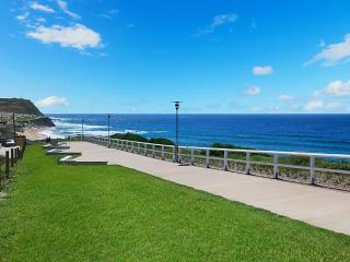 Ella's at Merewether Beach - Affordable Indulgence - Newcastle vacation rentals