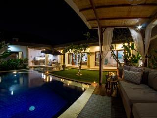 FREE CHEF - Umalas Retreat 5, (3 bed villa) - Seminyak vacation rentals
