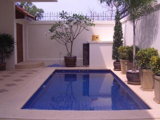 AvG3 - 4 bedroom house with pool at Pratumnak hill - Pattaya vacation rentals