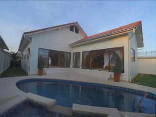 AdG 3 - 3 bedroom house with pool at Jomtien - Pattaya vacation rentals