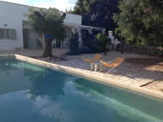 Lamia in pietra in splendido Casale con piscina - Ostuni vacation rentals