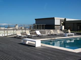 Cozy 2 bedroom Milnerton Resort with Internet Access - Milnerton vacation rentals