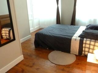 Nice flat for 2 in the city center: Apple - Honfleur vacation rentals