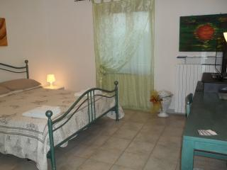 Cozy 1 bedroom Peveragno Bed and Breakfast with Deck - Peveragno vacation rentals
