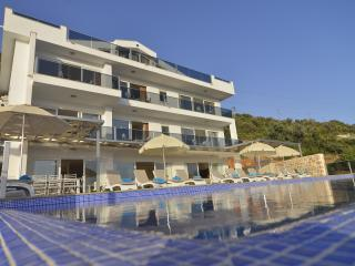 Falcon Exclusive Villa: utter luxury, sleeps 18! - Kalkan vacation rentals