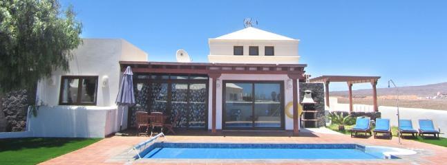 Spacious 4 bedroom Vacation Rental in Playa Blanca - Playa Blanca vacation rentals