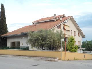 Nice 3 bedroom Villa in Atri - Atri vacation rentals