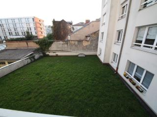 Joli F1 meublé a nancy centre ville 6mn place stan - Nancy vacation rentals