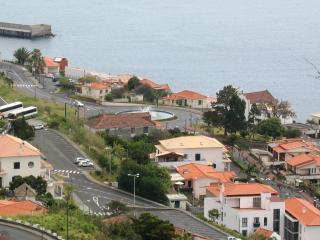 Casa do Miradouro - Lovely Views of Santa Cruz Bay - Santa Cruz vacation rentals