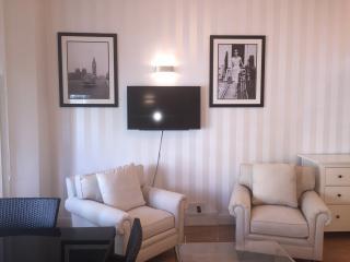 Kensington 1 Bed Apartment - London vacation rentals