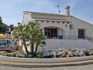 Bungalow Pauline - La Llobella vacation rentals