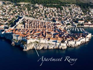 Sunny 2 bedroom Condo in Dubrovnik - Dubrovnik vacation rentals