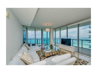 3 bedroom Apartment with Internet Access in Sunny Isles Beach - Sunny Isles Beach vacation rentals