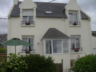 Bright 3 bedroom Finistere Gite with Television - Finistere vacation rentals